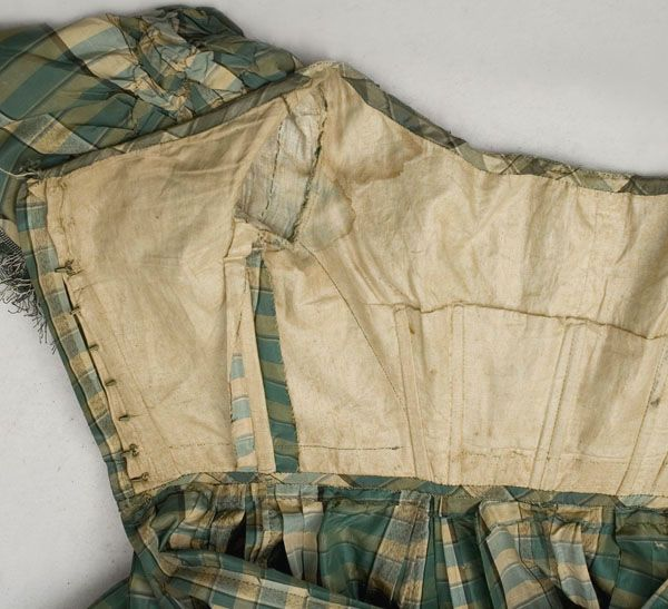 An 1850's Guide to Dressmaking: The Skirt | Aimee's Victorian Armoire
