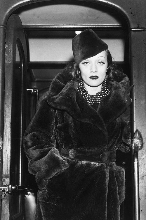 1937: Marlene Dietrich (1901 - 1992) American actor and singer. She was born Maria Magdalene Dietrich von Losch in Berlin. (Photo by Central Press/Getty Images)